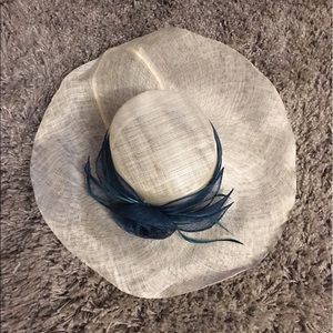 Bow, Kentucky Derby hat